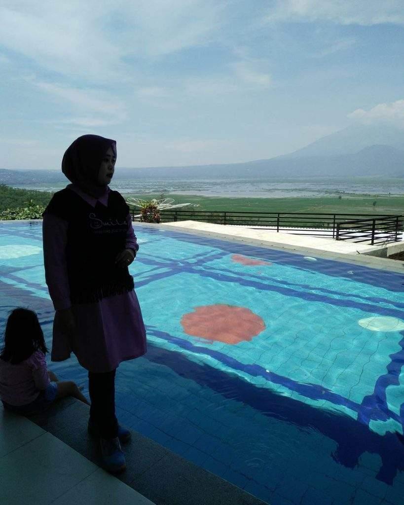 foto kolam renang eling bening